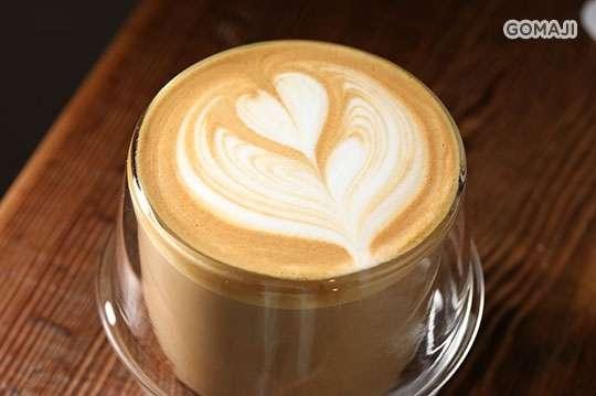 只要135元,即可享有【Provider -Dry Goods & Coffee】平假日皆可抵用200元消費金額〈特別推薦:破壞者咖哩(單點僅供外帶)、義式濃縮、卡布奇諾、破壞者可可亞、台灣野生紅茶〉