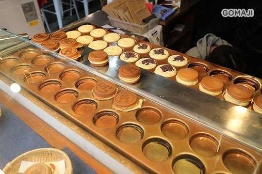 只要39元,即可享有【玉里本家紅豆餅】東區純奶純蛋紅豆餅三入〈口味可選:黑糖珍珠/招牌奶油/秘製菜脯〉