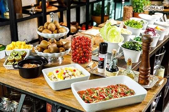 只要429元,即可享有【滿藝廚房Moon Garden】101景觀限定!歐式單人Buffet吃到飽〈特別推薦:歐式火腿盤、特選蛋料理、新鮮沙拉、手做麵包、湯品、咖啡、茶等〉