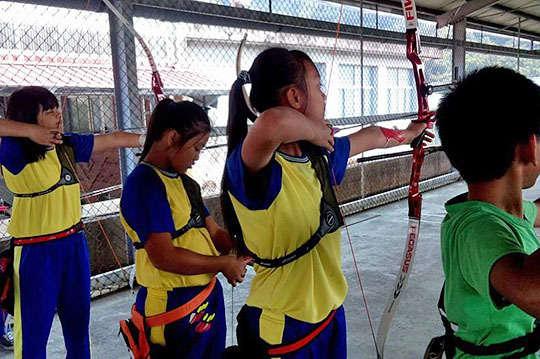 只要100元,讓排灣族的孩子們,從傳統中找到未來的希望【一起夢想-屏東佳義國小射箭夢想專案】用你的愛協助這群山林的小獵人們,用弓箭創造夢想