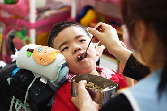 孩子們的成長與進步,是無限的希望。100元【一起夢想-愛寶貝希望餐點】身心障礙幼童的早期療育,用活力與你的支持,持續訓練與學習