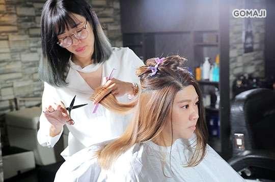 只要399元起,即可享有【啃夢髮型屋Eating Dream Hairsalon】A.啃夢時尚美學洗剪專案 / B.暖心質感保養洗剪護專案 / C.人氣煥新造型剪染/燙護專案(不限髮長)