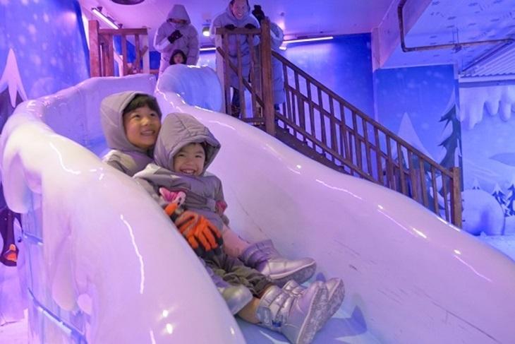 愛麗絲夢遊冰雕展