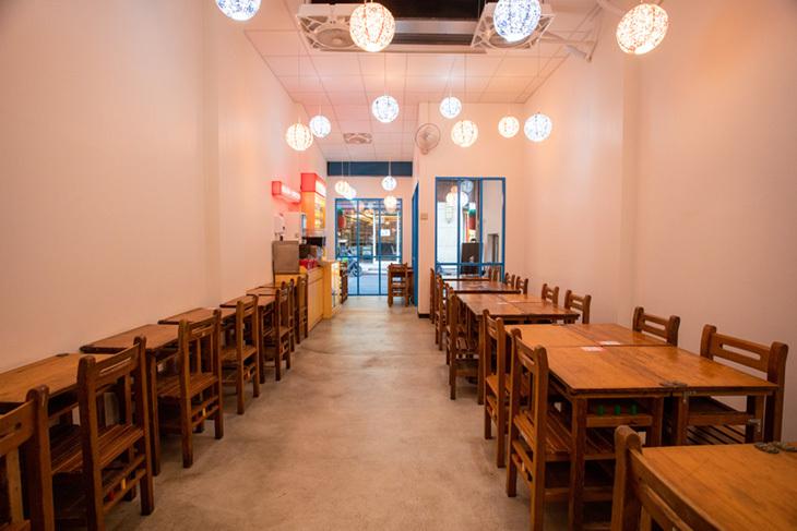 老十三黃燜雞米飯/板橋美食/麻辣/砂鍋料理
