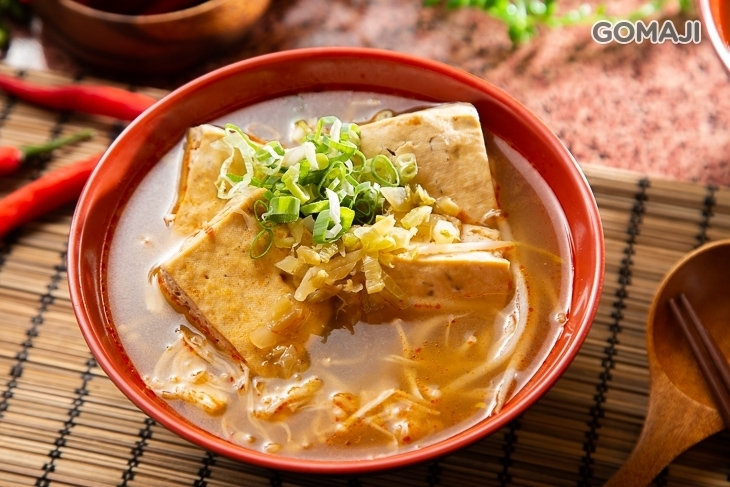 3鼎紅 麻辣鴨血臭豆腐(台中總店)