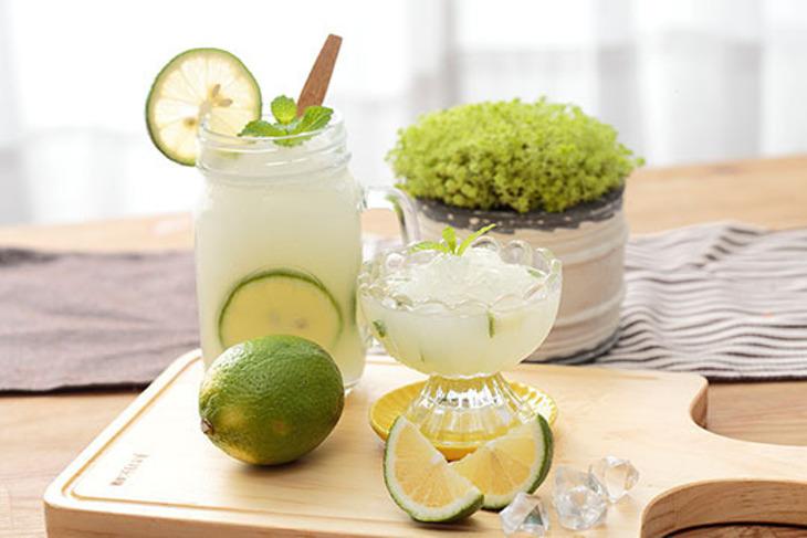 花蓮新城【佳興冰果室】直接飲用的檸檬汁 8瓶