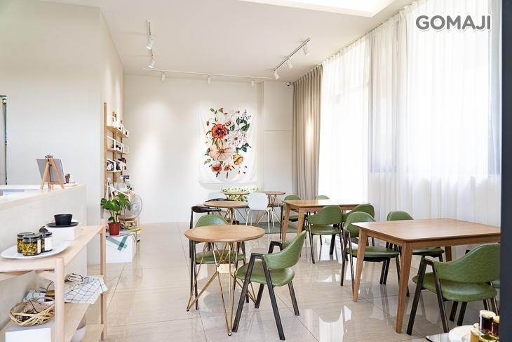 1002 cafe&shop