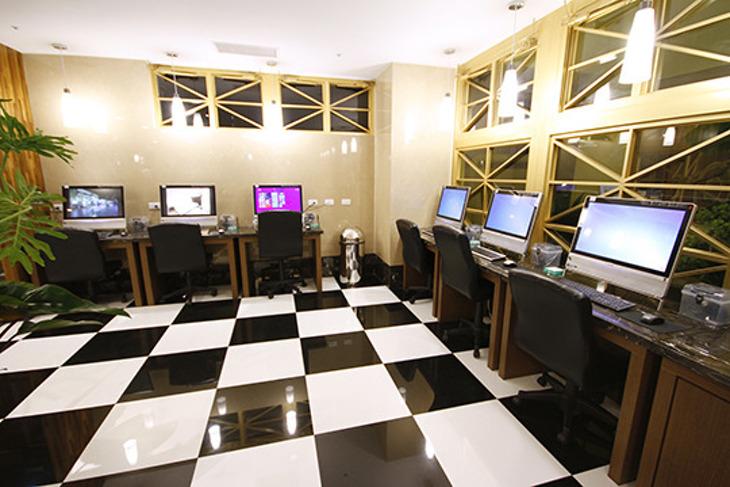 康橋大飯店-高雄站前館