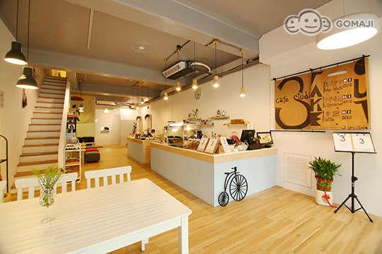 3 Cafe Studio